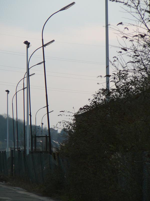 16-BE-HA-Charleroi-Sambre-dir-Châtelet-streetlights-2011-03-12-1