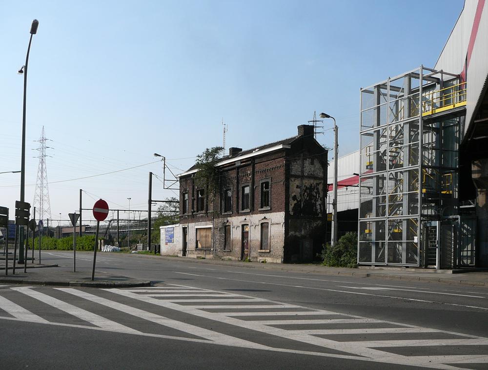 12 BE-LI-Seraing-Seraing-Bas-Rue-du-Pertuis-2011-04-20