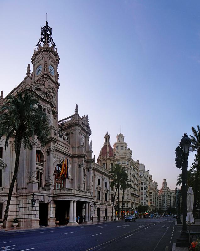 3 ES Valencia-Plaça de l'Ajuntament 2013-08-19 (2)