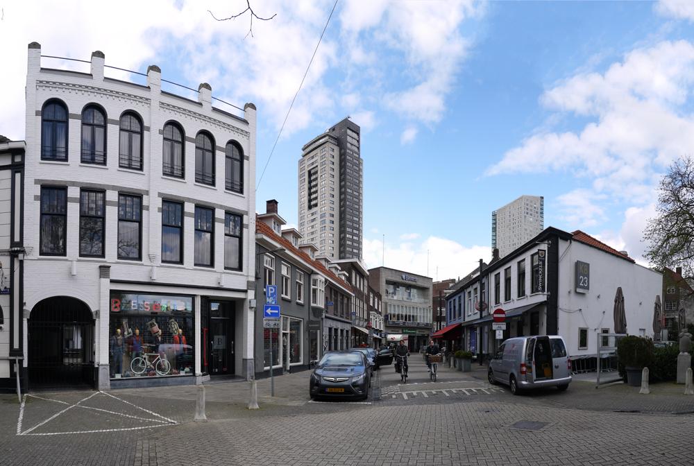 3 NL NB Eindhoven-Centrum-Kleine Berg 2014-03-24 (1)
