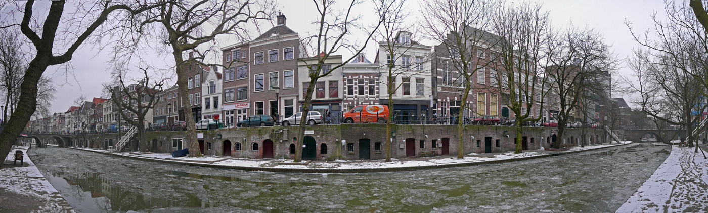 5 NL UT Utrecht-Centrum-Oudegracht 2012-02-12 (2)