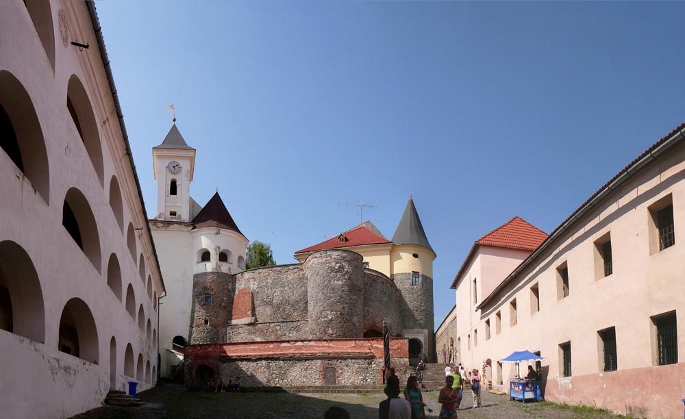 60-UA-ZA-Mukachevo-Palanok-Castle-2012-07-25-2